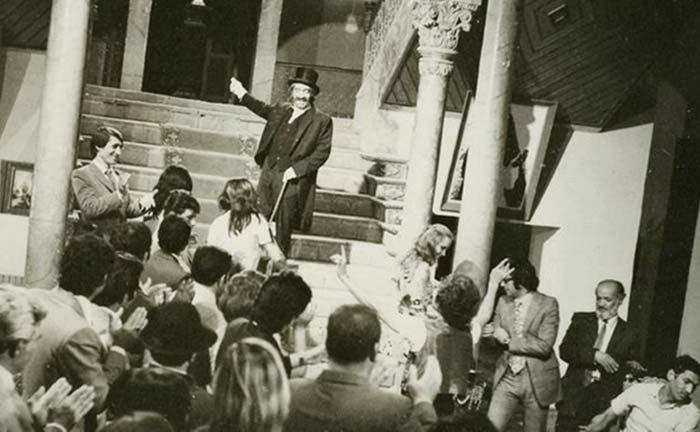 عزت الله انتظامی در فیلم پستچی