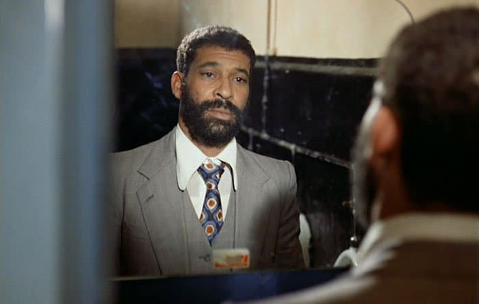 الهادی بن سالم در صحنهای از فیلم ترس روح را میخورد